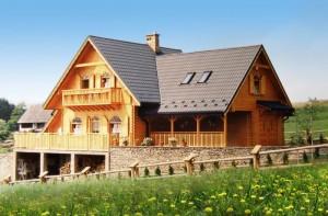 Проект двухэтажного дом с террасой и балконом