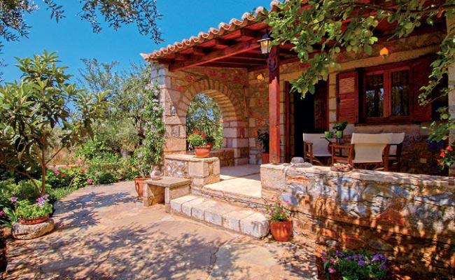 Греческая каменная терраса