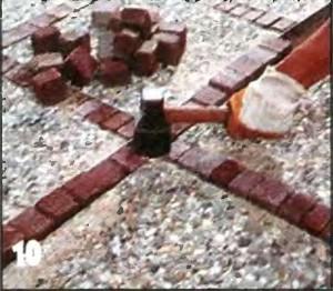 Камни укладываем резиновым молотком