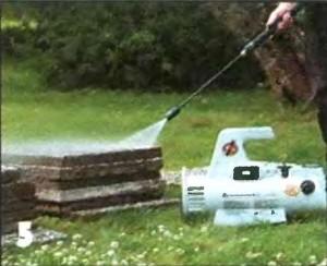 Очищаем плиты струей