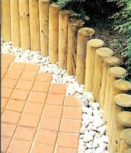 столбики из хвойной древесины