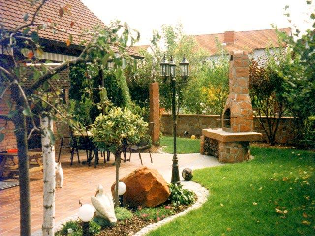 Барбекю из камня на открытой террасе