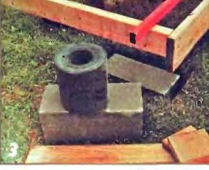 Несущие брусья на бетонных блоках