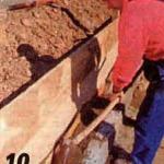 бетон между камнями и опалубкой