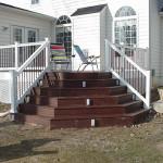 угловая терраса и подсветка на лестнице