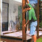 установка угловой стеклянной стойки