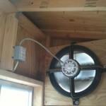 вентиляция и свет в курятнике 3